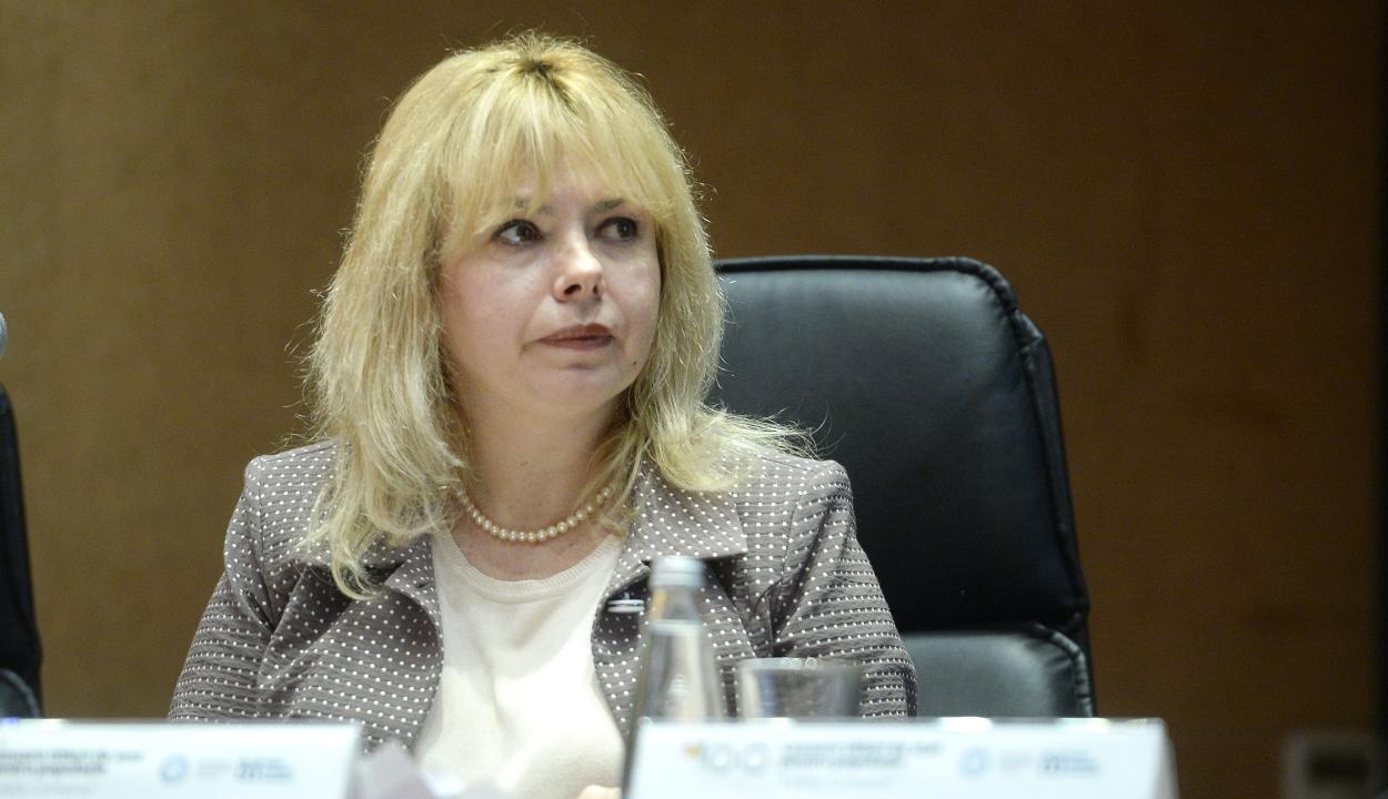 Anca Dragut választották a felsőház elnökének