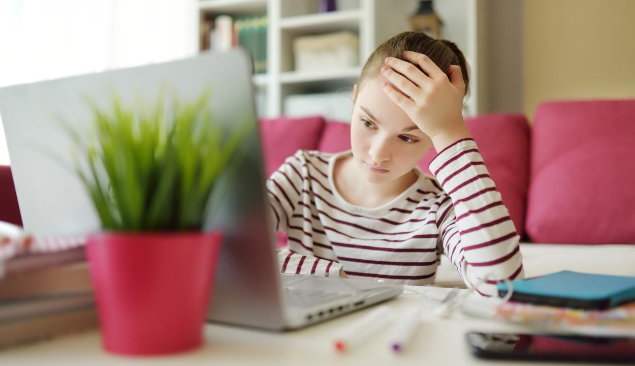 Tanulmány: az online oktatás ideje alatt a gyerekek keveset vagy semmit nem tanultak