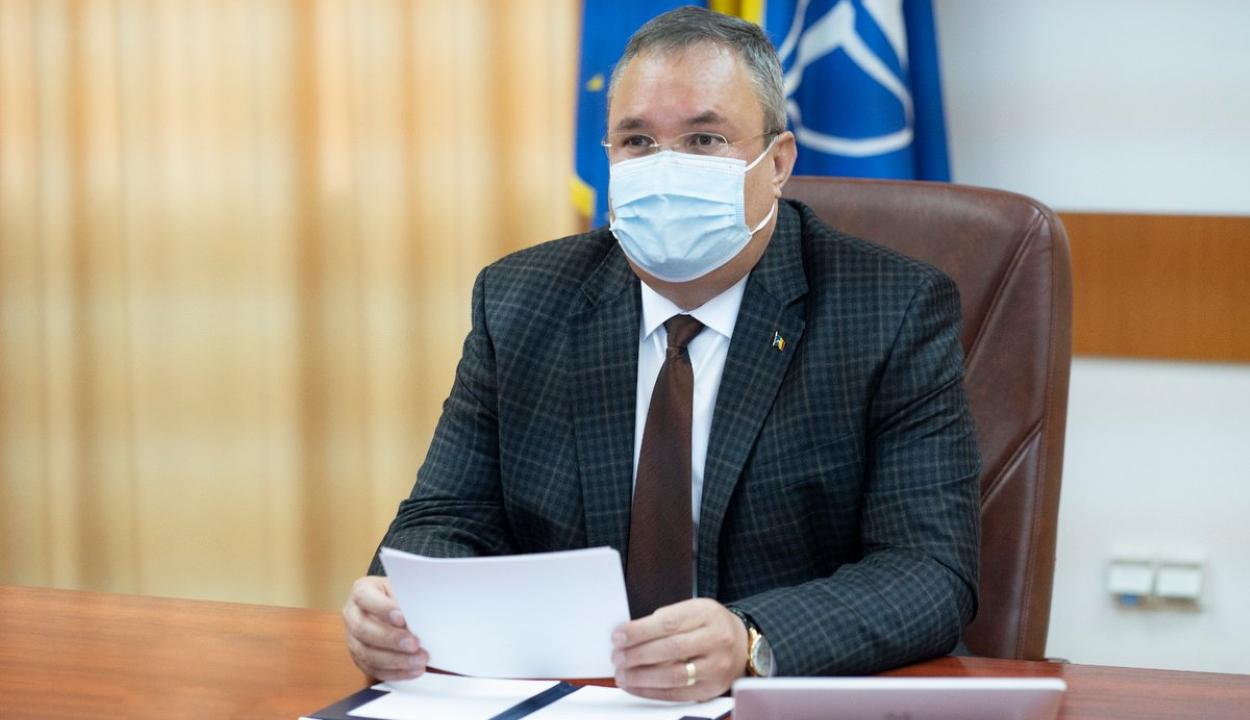 Bocsánatot kért a védelmi miniszter az 1989-es forradalom áldozatainak családjaitól