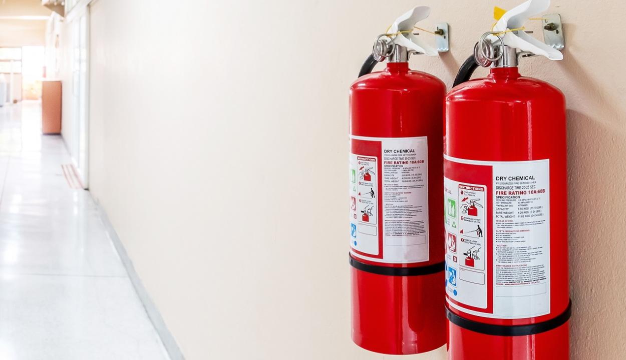 Iskolákat, kórházakat, közintézményeket sodort veszélybe egy tűzvédelmi szolgáltatásokat nyújtó cég