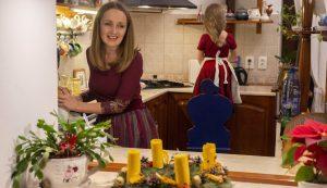 Luca pici kora óta otthonos a konyhában, a mézeskalács formázása és díszítése az egyik kedvenc karácsonyi programja