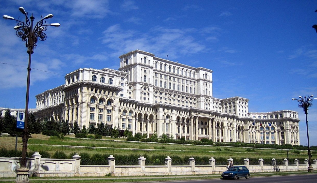 A PSD 157, a PNL 134, az RMDSZ 30 mandátumot szerzett az új parlamentben