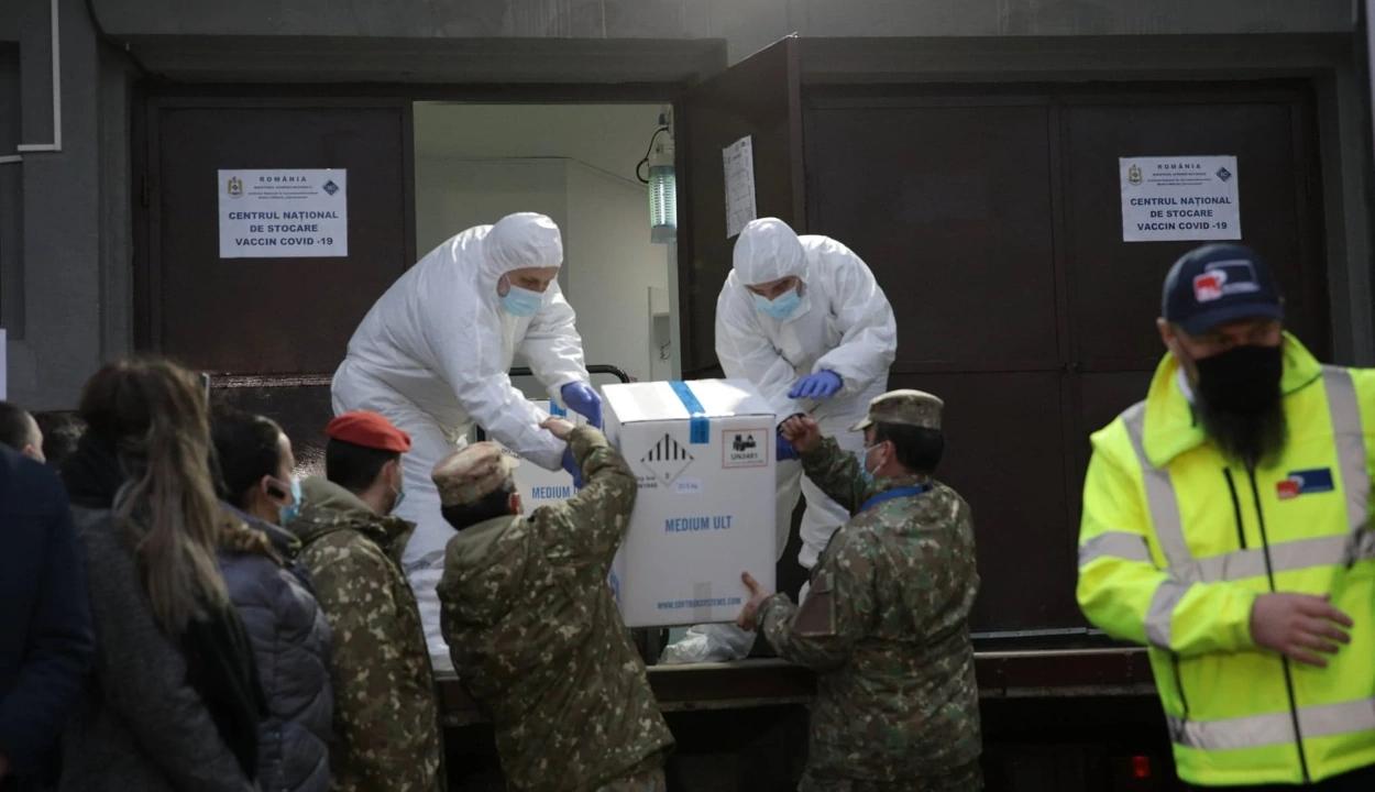 Megérkezett a Cantacuzino intézetbe a koronavírus elleni oltás első szállítmánya