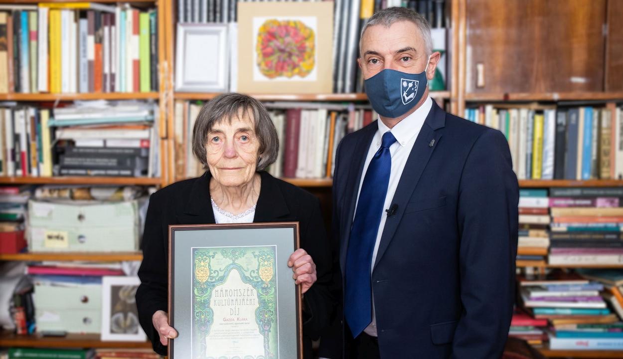 Gazda Klára kapta a Háromszék kultúrájáért díjat