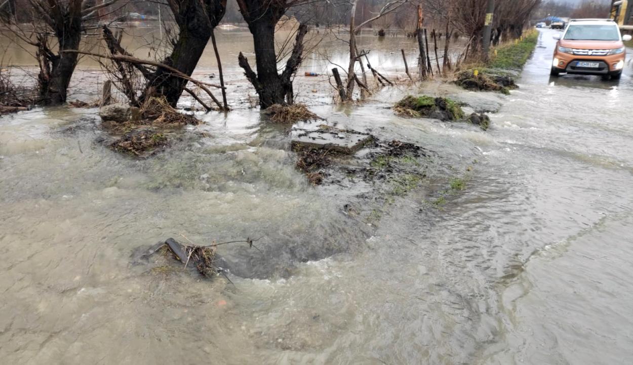 11 megye 35 településén okoztak károkat az áradások