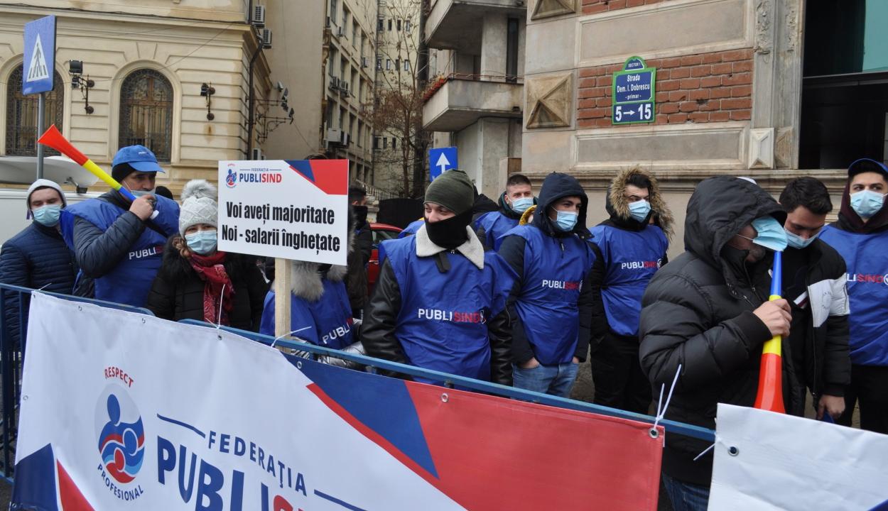 A bérek és pótlékok befagyasztása ellen tiltakoztak Bukarestben a szakszervezetek