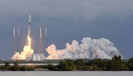 Rekordszámú, 143 műholdat vitt magával a világűrbe a SpaxeX rakétája