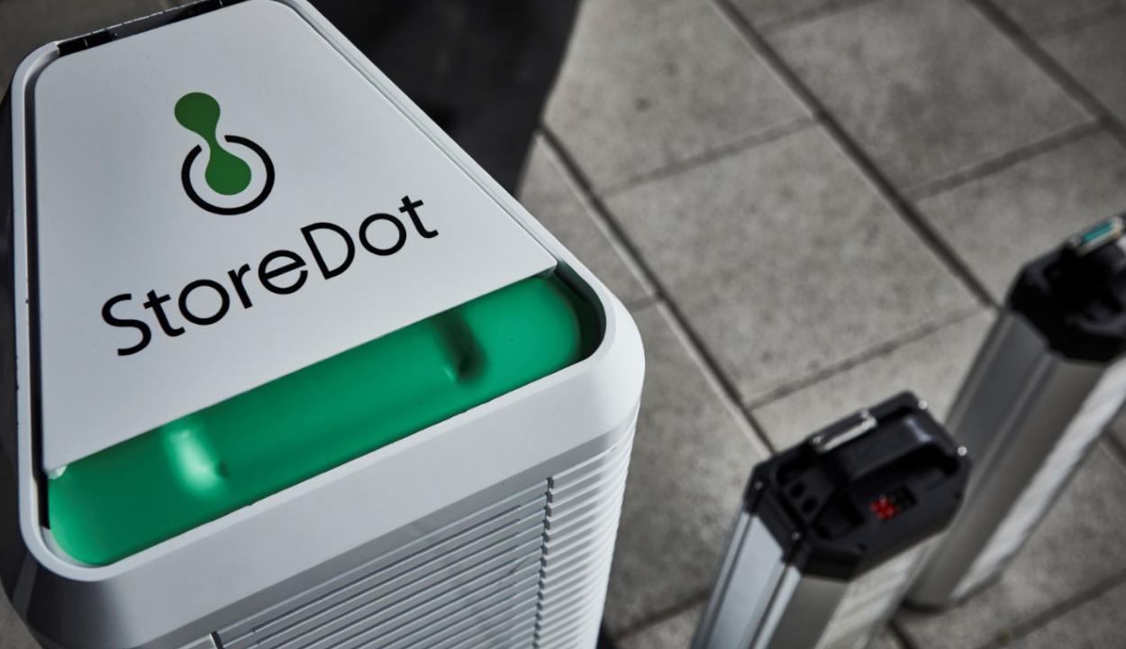 Hamarosan jöhetnek az öt perc alatt feltölthető elektromos autók