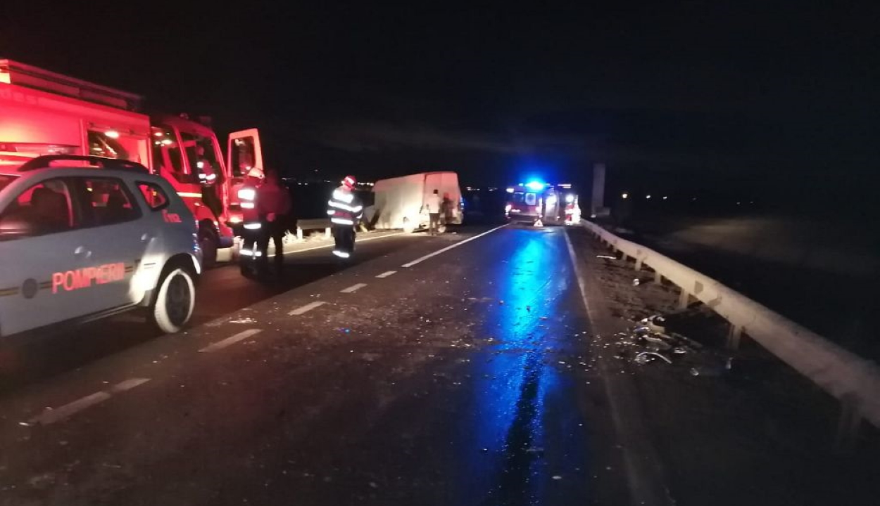 Négy jármű balesetezett Kovászna megye határán