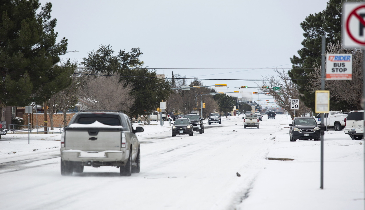 Több mint 20 emberéletet követelt eddig a szokatlanul hideg időjárás az Egyesült Államokban