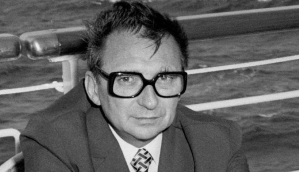 Meghalt Ion Mihai Pacepa, az Egyesült Államokba disszidált szekus