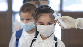 Több mint ezer koronavírussal fertőzött diákot és óvodást tartanak számon