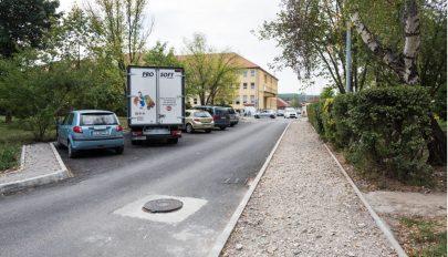 Az autók megfojtják a városokat!