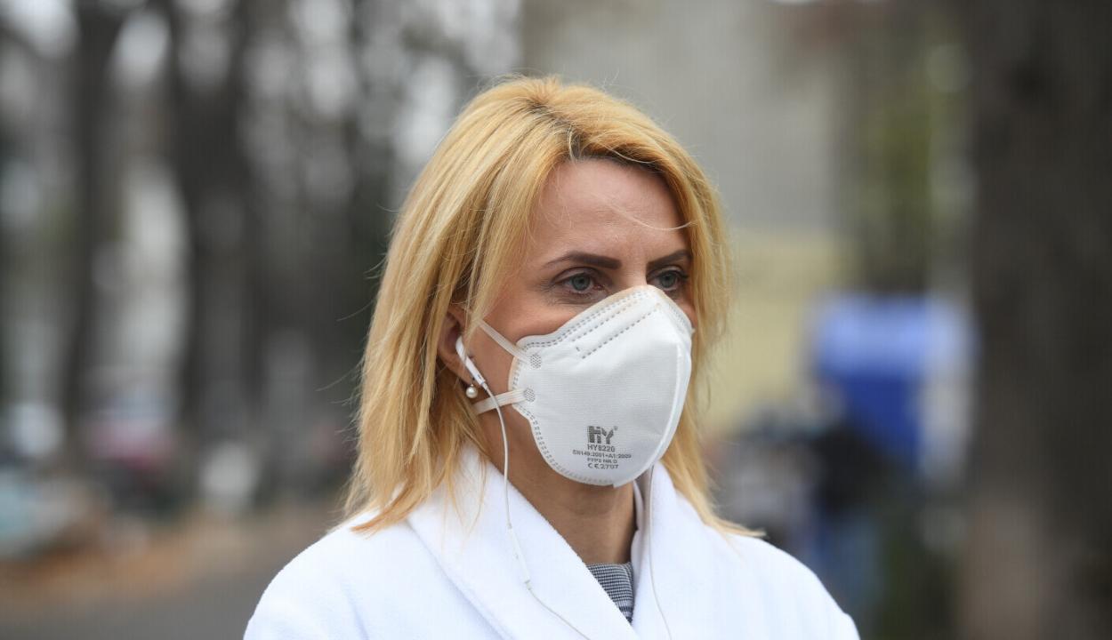 A szakemberek szerint kezd aggasztóvá válni a romániai járványhelyzet