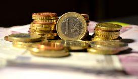 Újabb történelmi csúcson a lej/euró árfolyam
