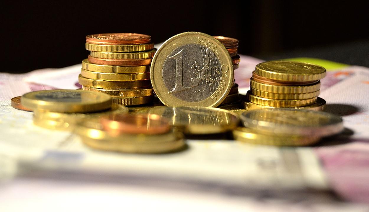 Újabb történelmi mélyponton a lej az euróhoz képest