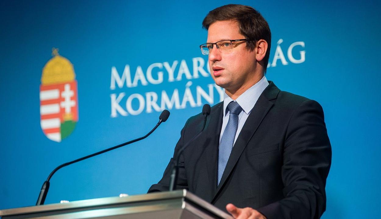 Szigorítanak Magyarországon: bezárnak az iskolák, óvodák, üzletek