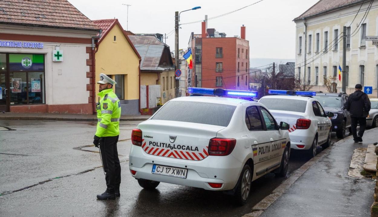 Idegnyugtató rendőrbérek