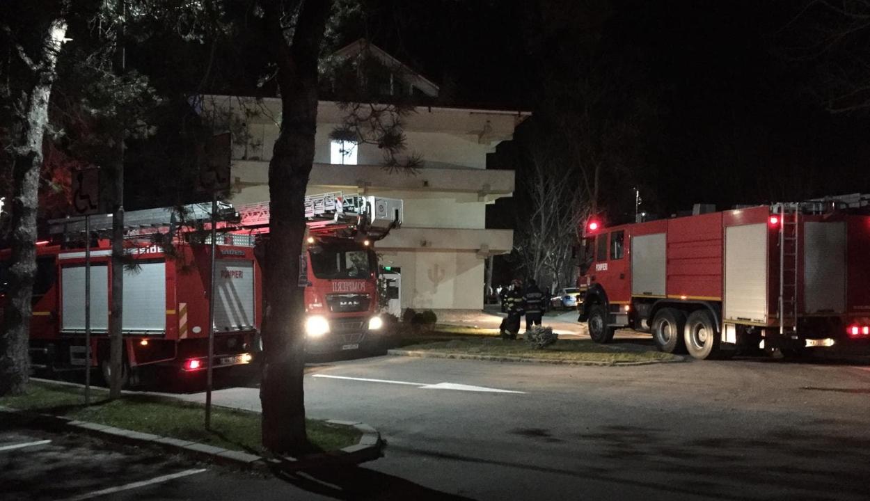 Tűz volt a craiovai pszichiátriai kórházban: három orvos kiugrott az ablakon