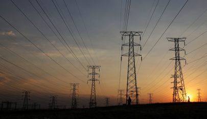 Július elsejétől drágul a villamos energia és a földgáz is