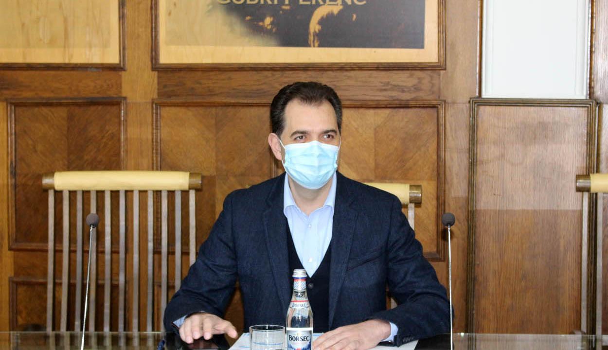 Antal Árpád: van hely az oltóközpontokban