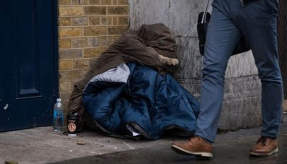 Erőszakos hajléktalan