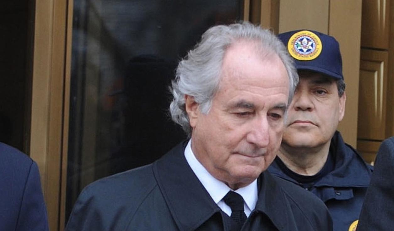 Meghalt Bernie Madoff, a leghíresebb piramisjátékos