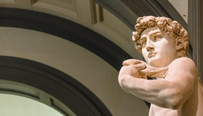 Ikertestvért kap Michelangelo Dávidja