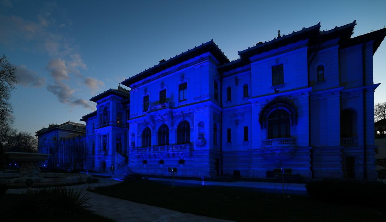 Autizmus világnapja: kék megvilágítást kap péntek este az államelnöki palota