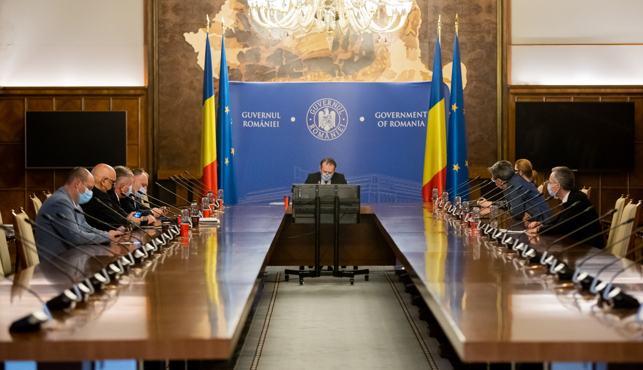 Cîţu: fontos lépés a helyzet rendezése felé, hogy az USR PLUS miniszterei részt vettek a kormányülésen