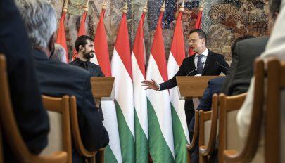 Szijjártó Péter: sokat tett hozzá a magyar-román kapcsolatokhoz a gazdasági együttműködés