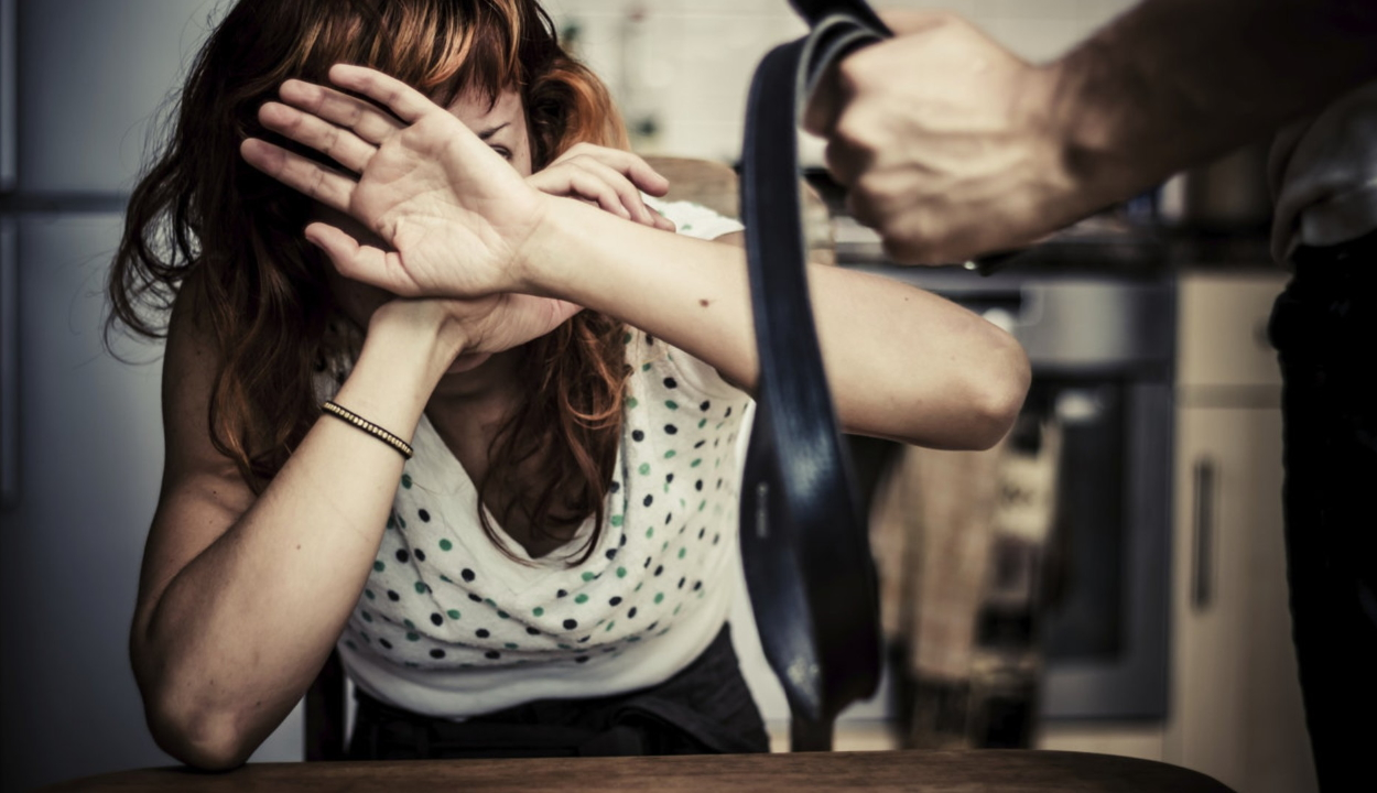 Családon belüli erőszak: a távoltartási végzések 40 százalékát megszegik
