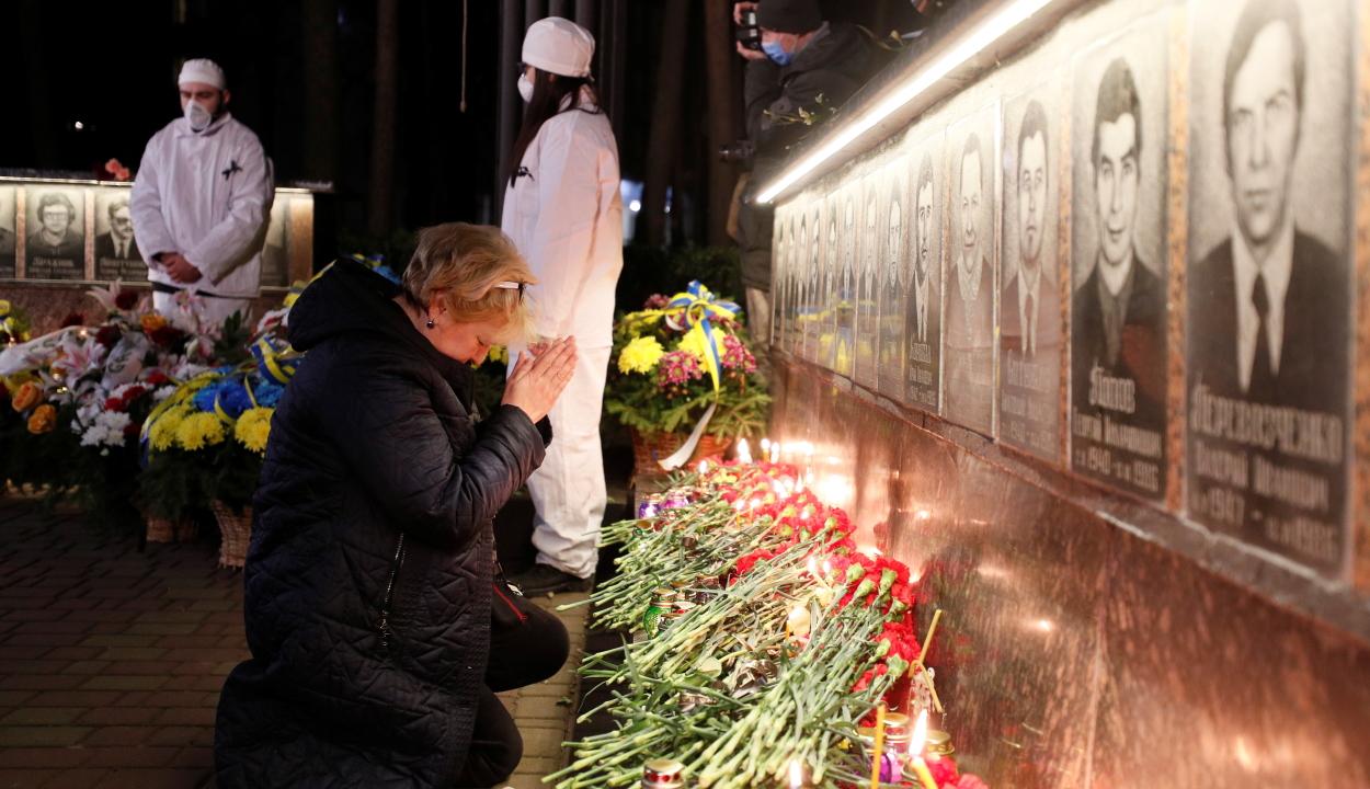 """Pripjaty egykori lakói a """"szellemvárosban"""" emlékeztek meg a csernobili katasztrófa évfordulójáról"""