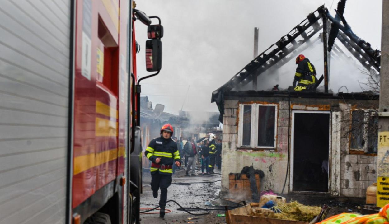 Ismét tűz ütött ki a csíksomlyói romatelepen
