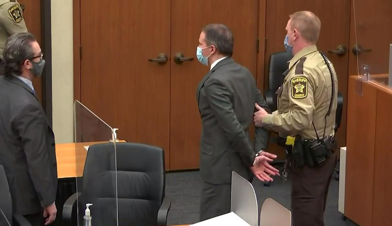 Minden vádpontban bűnösnek találta az esküdtszék a Floyd-ügy elsőszámú vádlottját