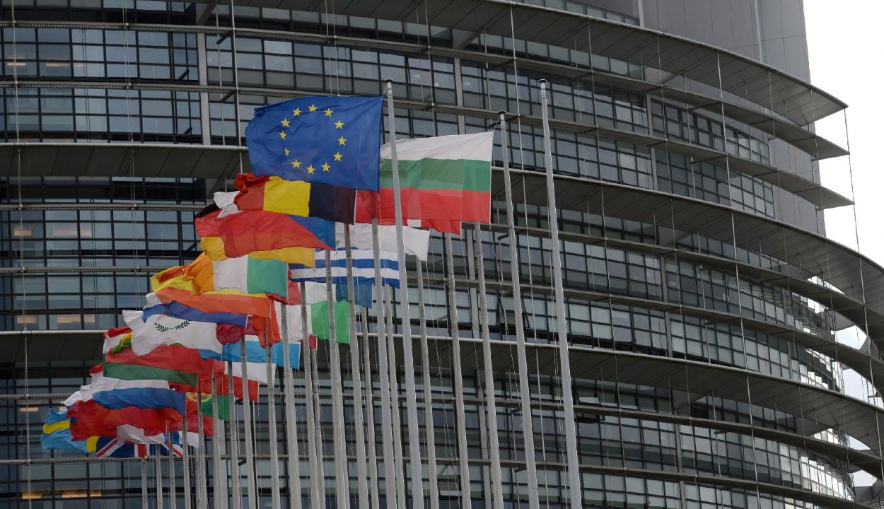 Az EP megszavazta az EU és az Egyesült Királyság közötti megállapodást