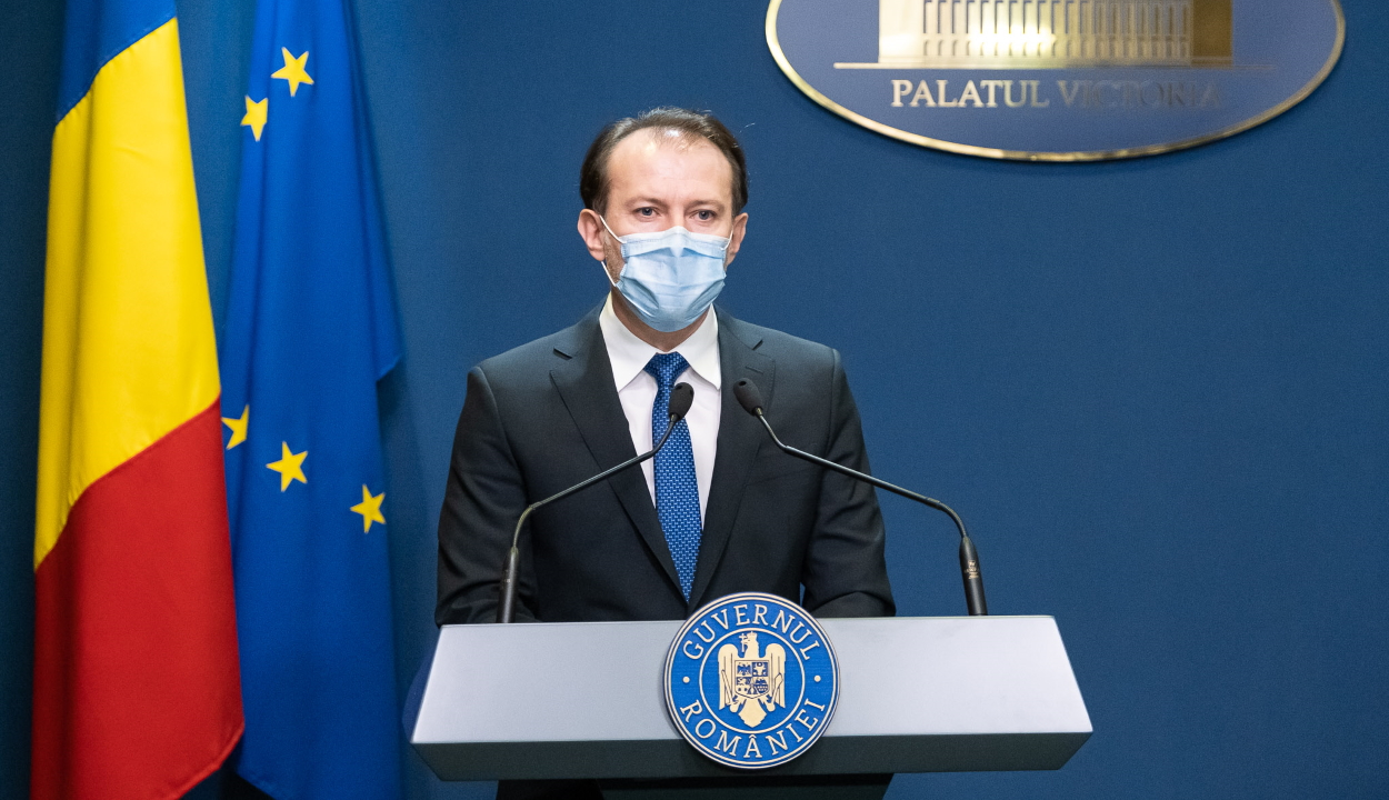Cîţu: augusztus 1-je után jöhet szóba a kötelező maszkviselésről való lemondás