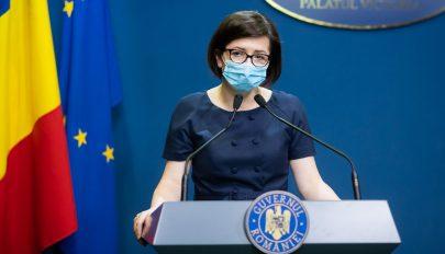 Az egészségügyi miniszter minden hétvégén terepezne az oltáskampány előmozdítása érdekében