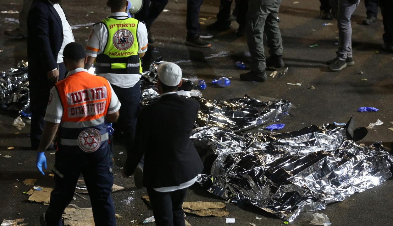 44 embert taposott agyon a tömeg egy zsidó ünnepségen Izraelben