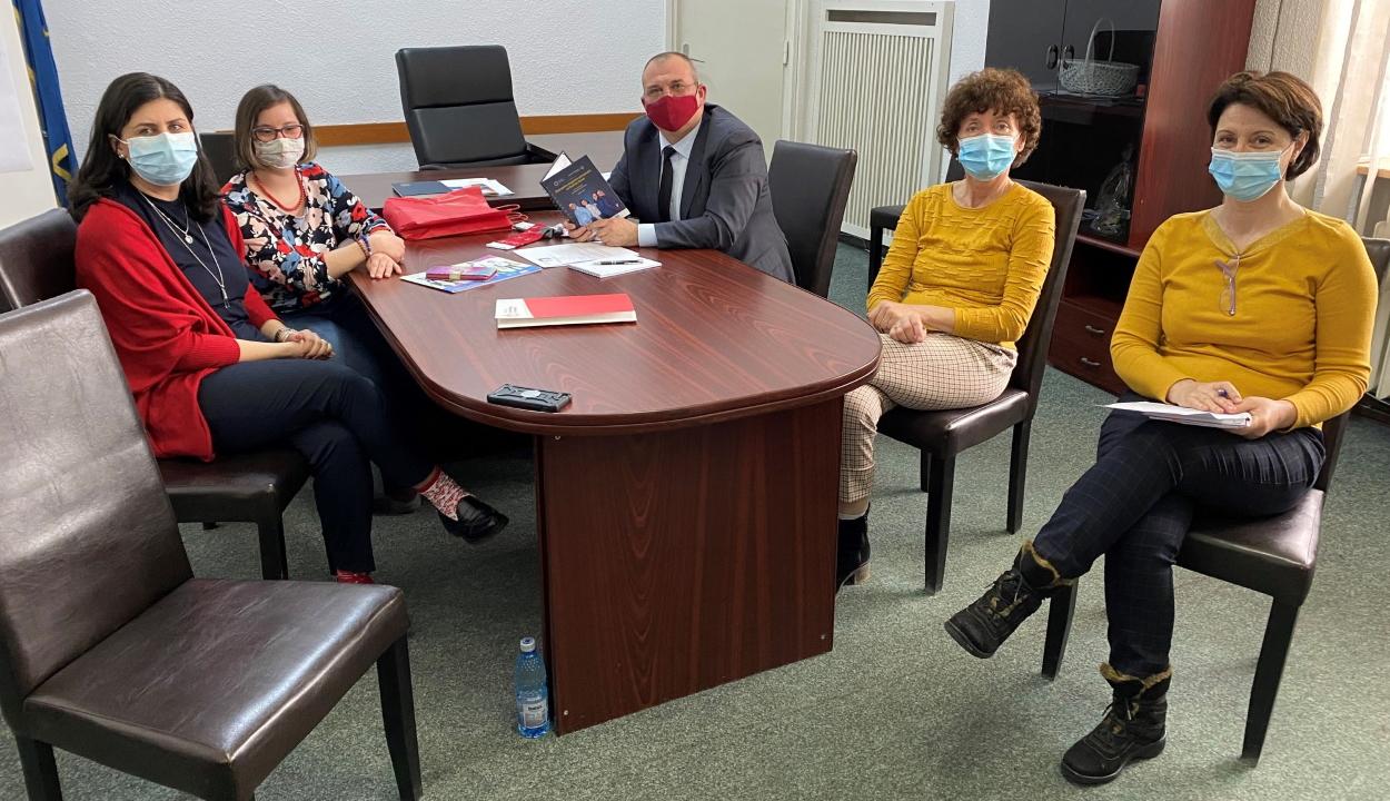 RMDSZ-es államtitkár alkalmazta az első Down-szindrómás személyt a munkaügyi minisztériumnál