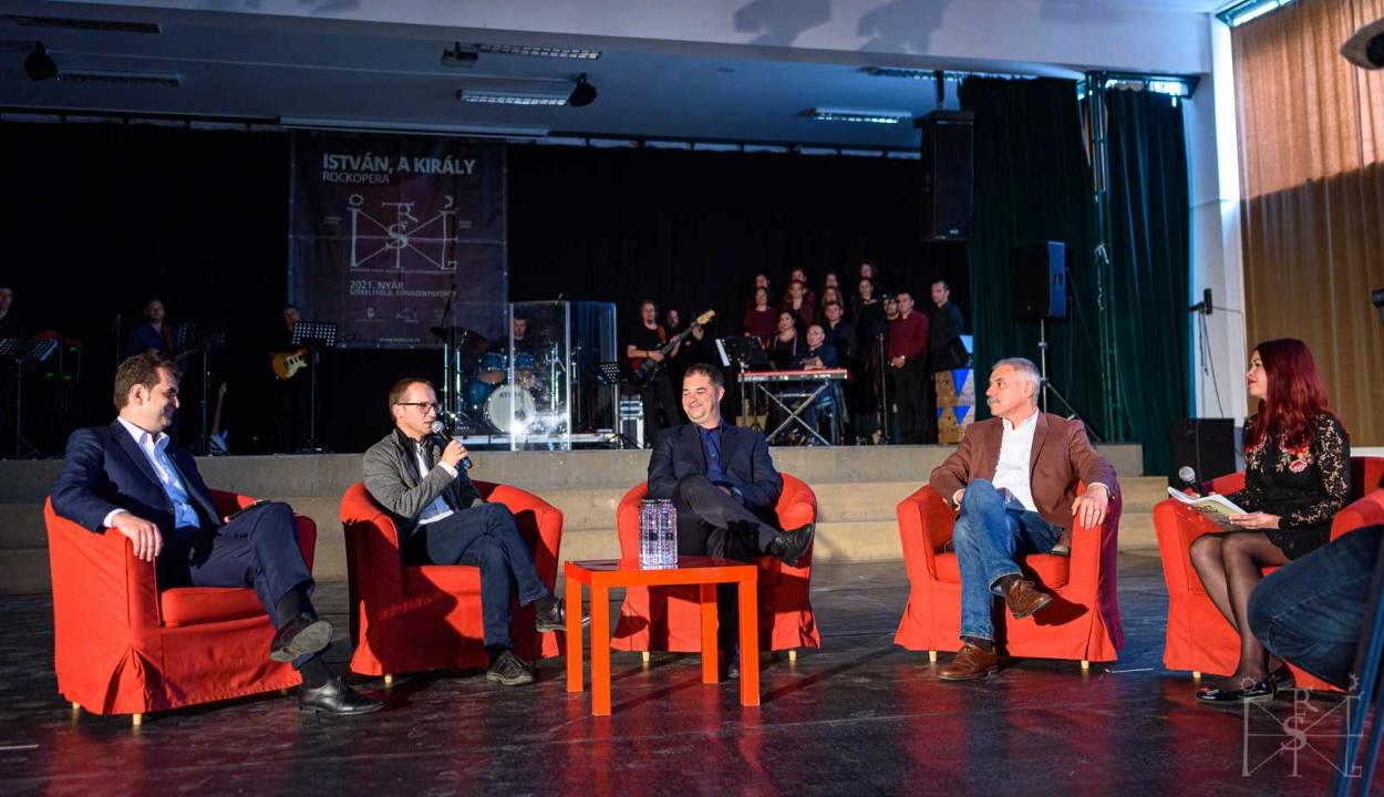 Az István, a király rockopera előadására készülnek Sepsiszentgyörgyön