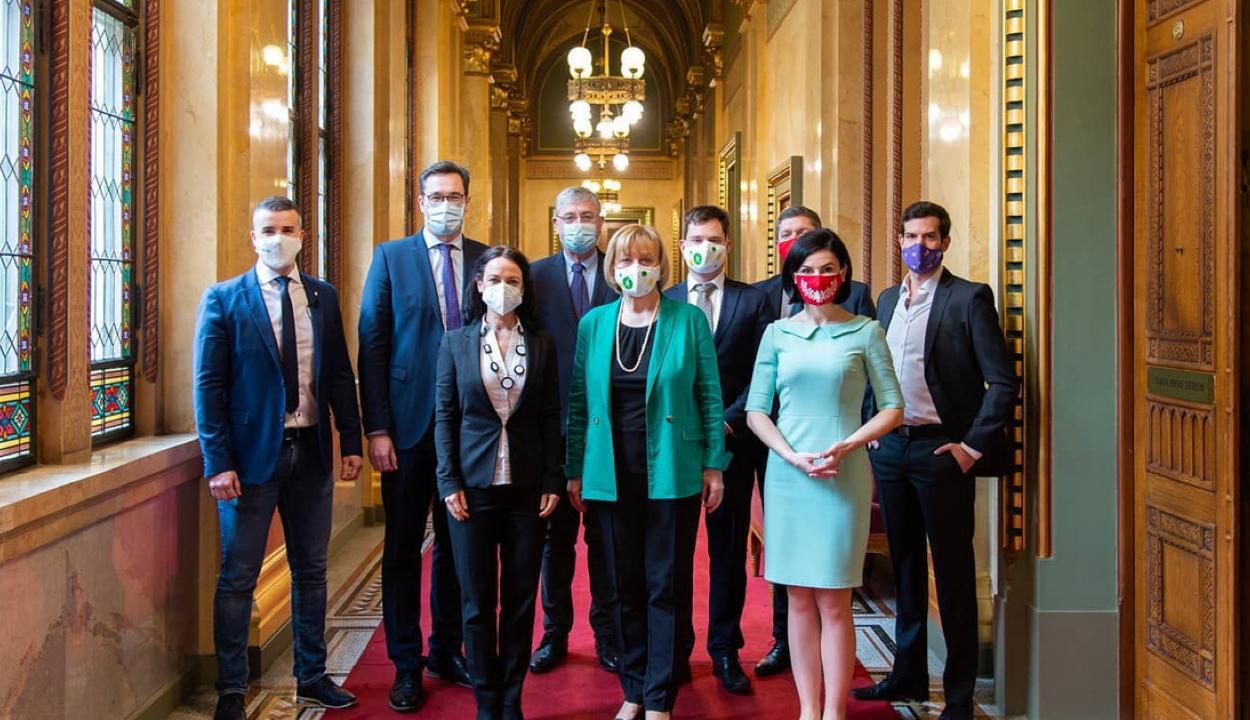 Megállapodtak a magyar ellenzéki pártok az előválasztás módjáról