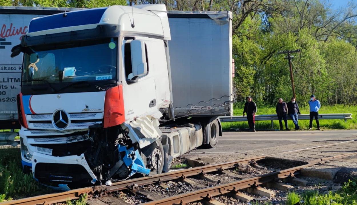 Kamiont ütött el a vonat Cófalván