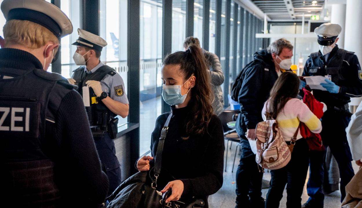 Az uniós beutazási korlátozások enyhítését javasolja az Európai Bizottság