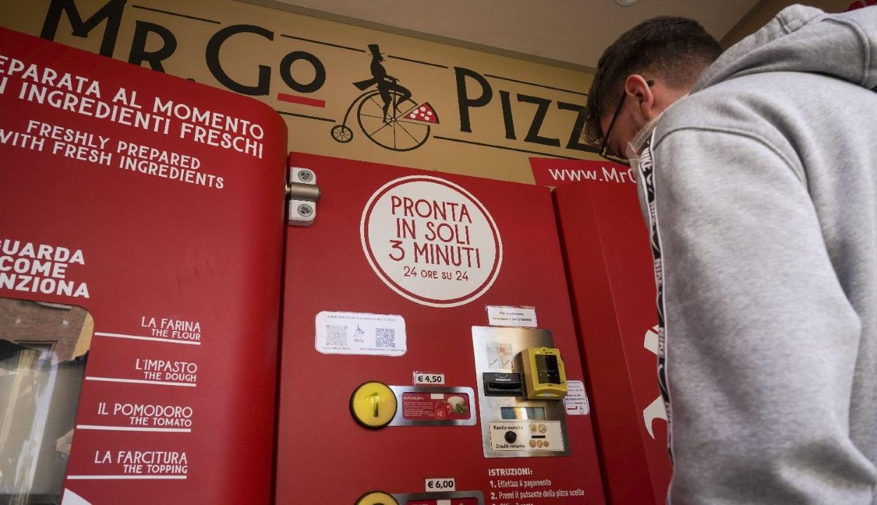 Rómában üzembe helyezték az első pizzaautomatát