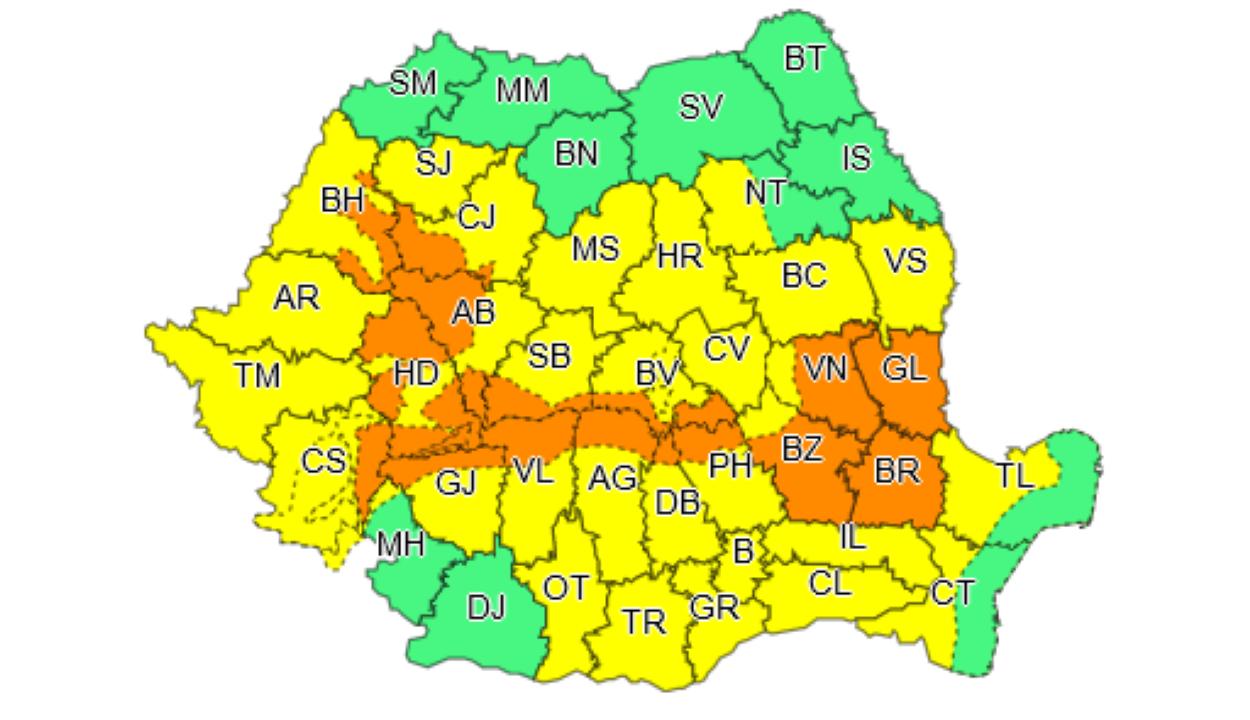 Sárga és narancssárga riasztást adtak ki a rossz idő miatt 34 megyére és a fővárosra