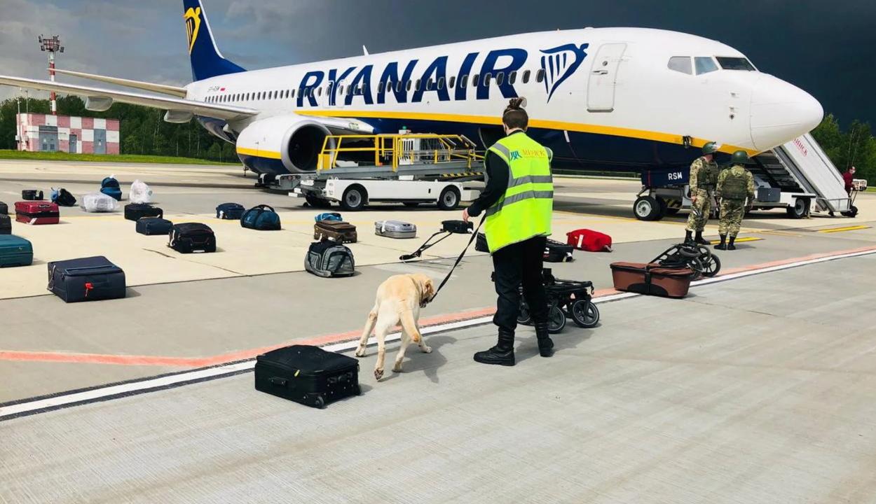 Az EU kitiltja a légteréből és a repülőtereiről a fehérorosz légitársaságok gépeit