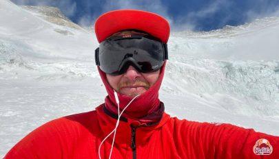 Lavina miatt vissza kellett fordulnia az Everestről Varga Csabának