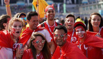 Világjáró fociszurkolók