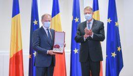 Iohannis a Románia Csillaga érdemrend Nagykeresztjét adományozta Donald Tusknak